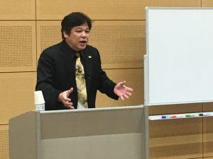 KCS姿勢分析処方セミナーで熱心に講義される桑岡俊文博士